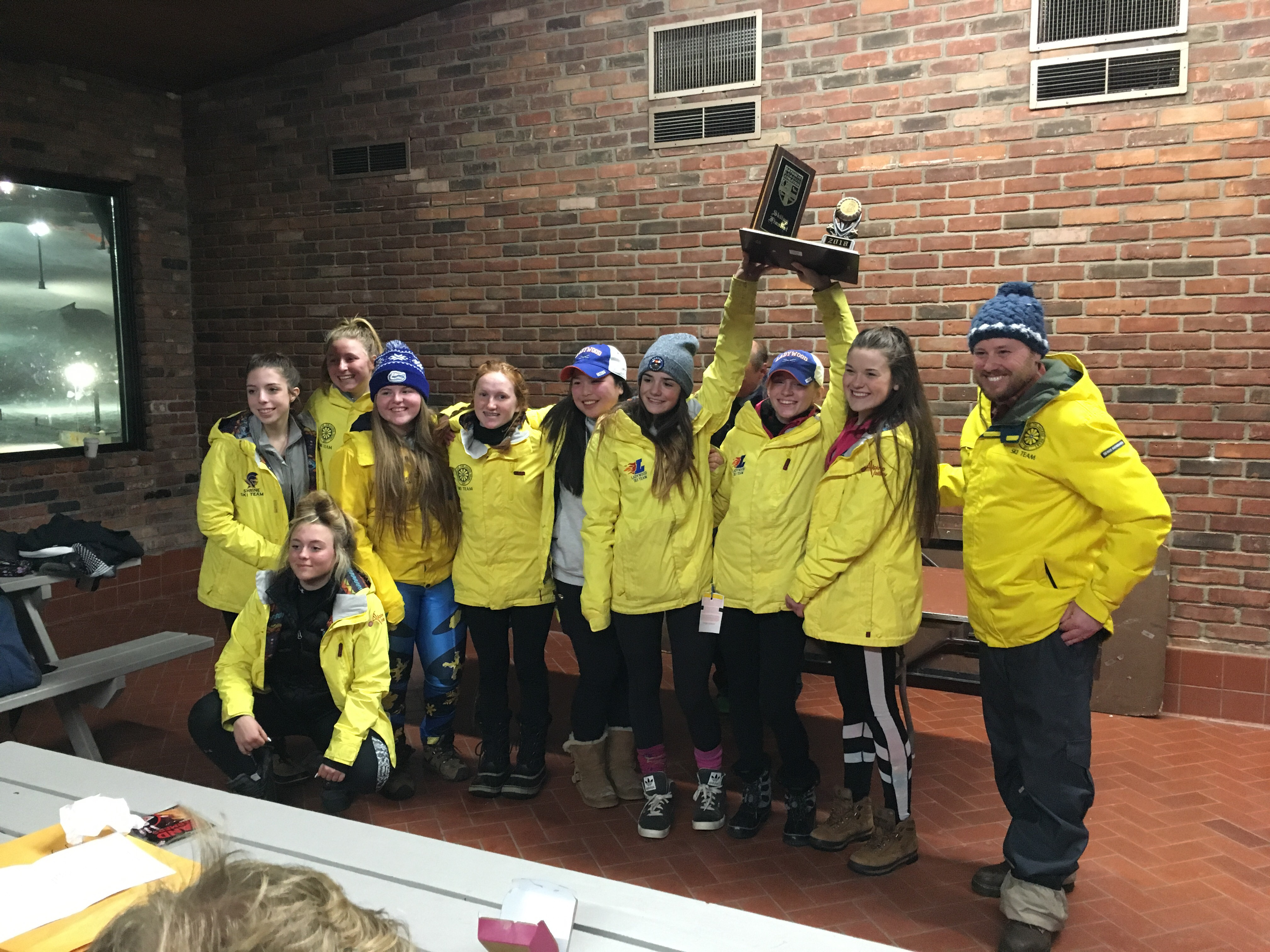Ski Finishes Second at CHSL Championships!