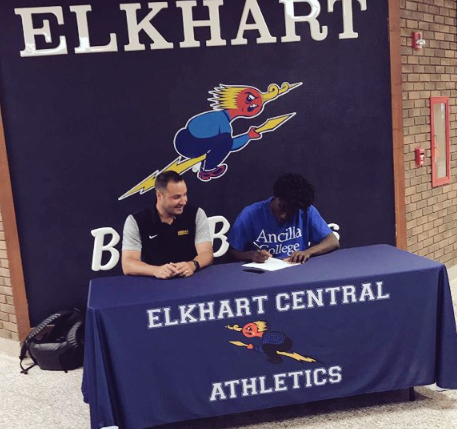 Wayker signs with Ancilla