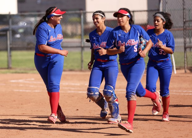 Softball Earns BYE to CIF Division 1 Second Round