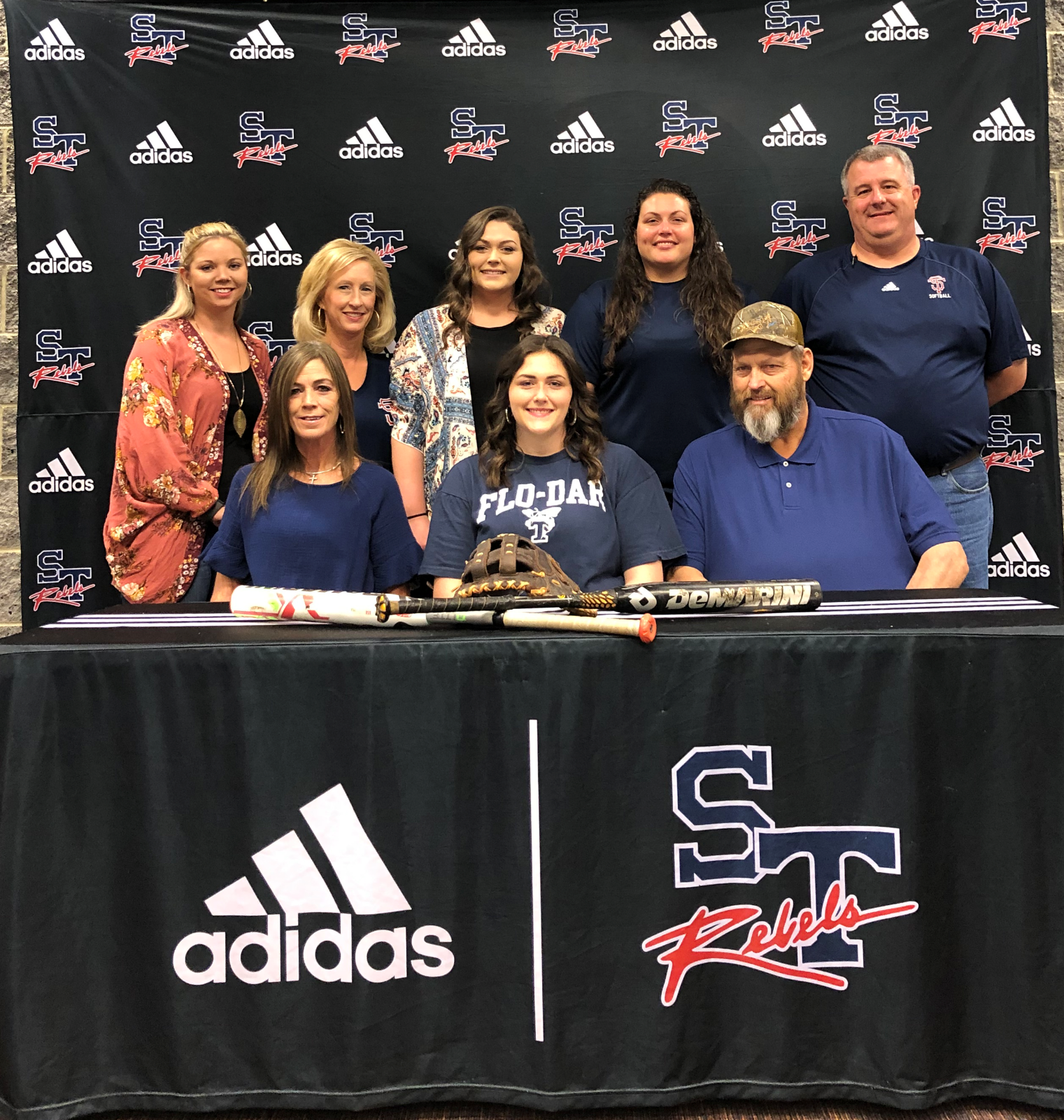 Easler Signs With Florence Darlington Technical College