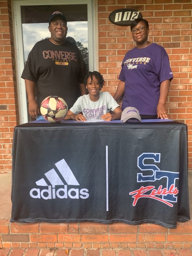 Jahonna Miles Signs with Converse College