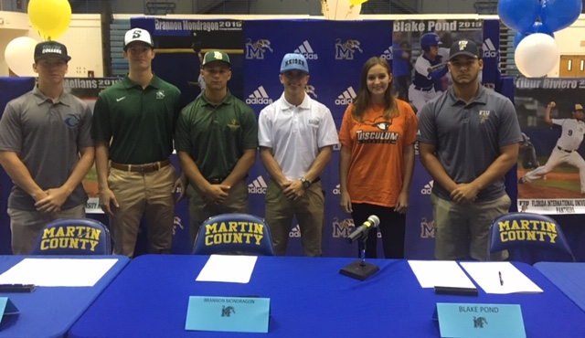 2018 College Scholarship Signings