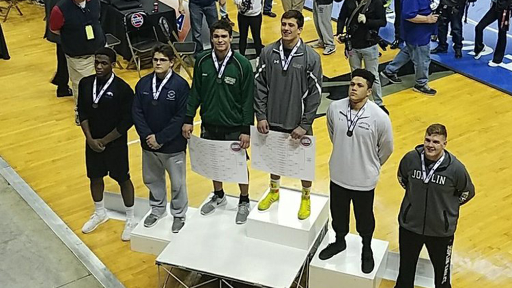 Flyers Earn Top-20 Finish at State Wrestling Tournament