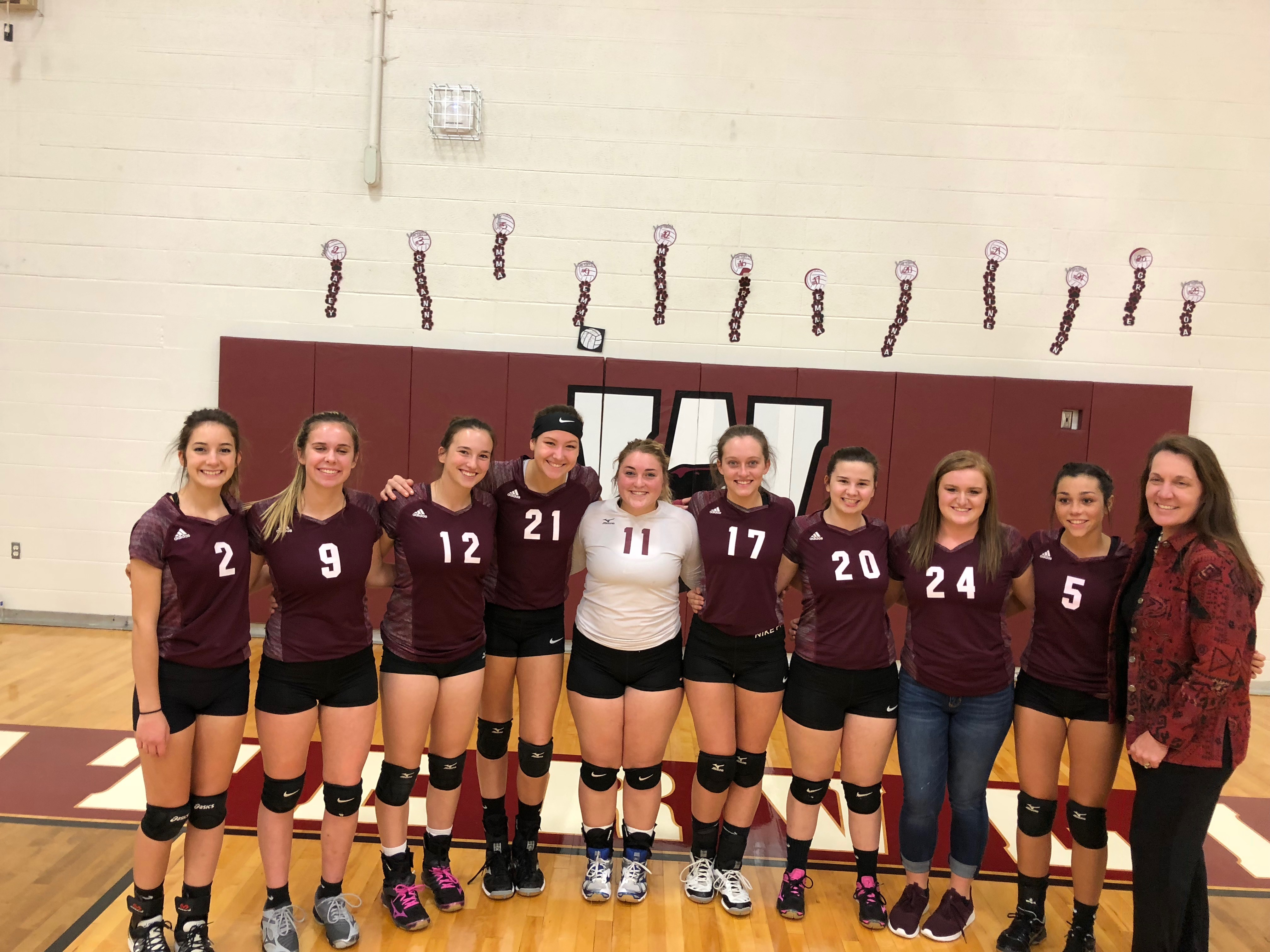 Girls Varsity Volleyball beats Fennville 3-0 as they honor 9 Seniors