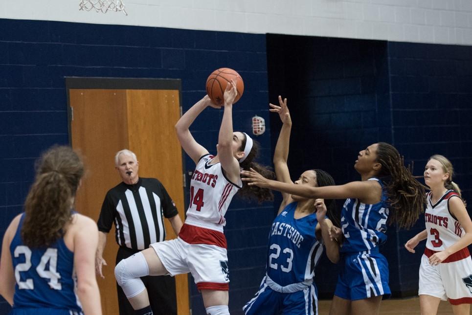 Powdersville Girls Varsity Basketball beats Eastside 52 – 43