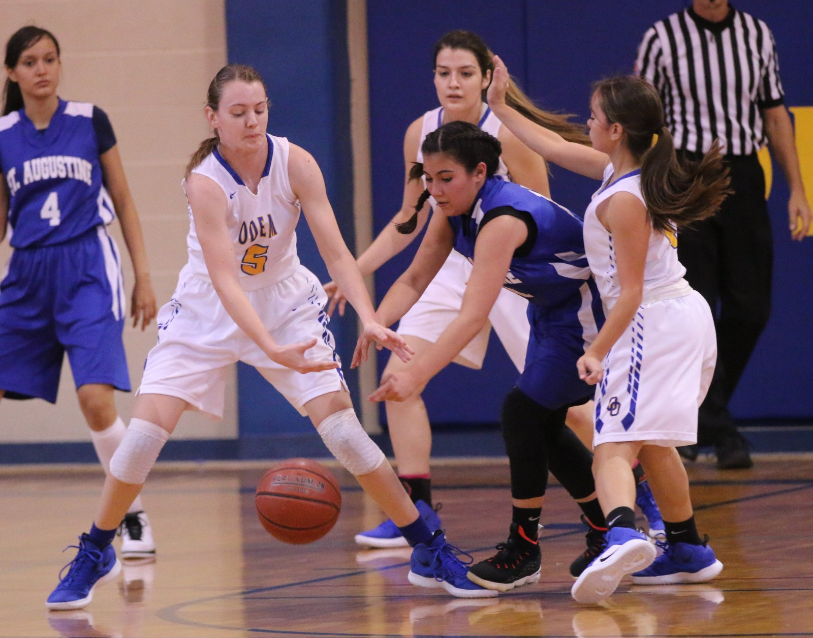 Girls Basketball Approaches District Play