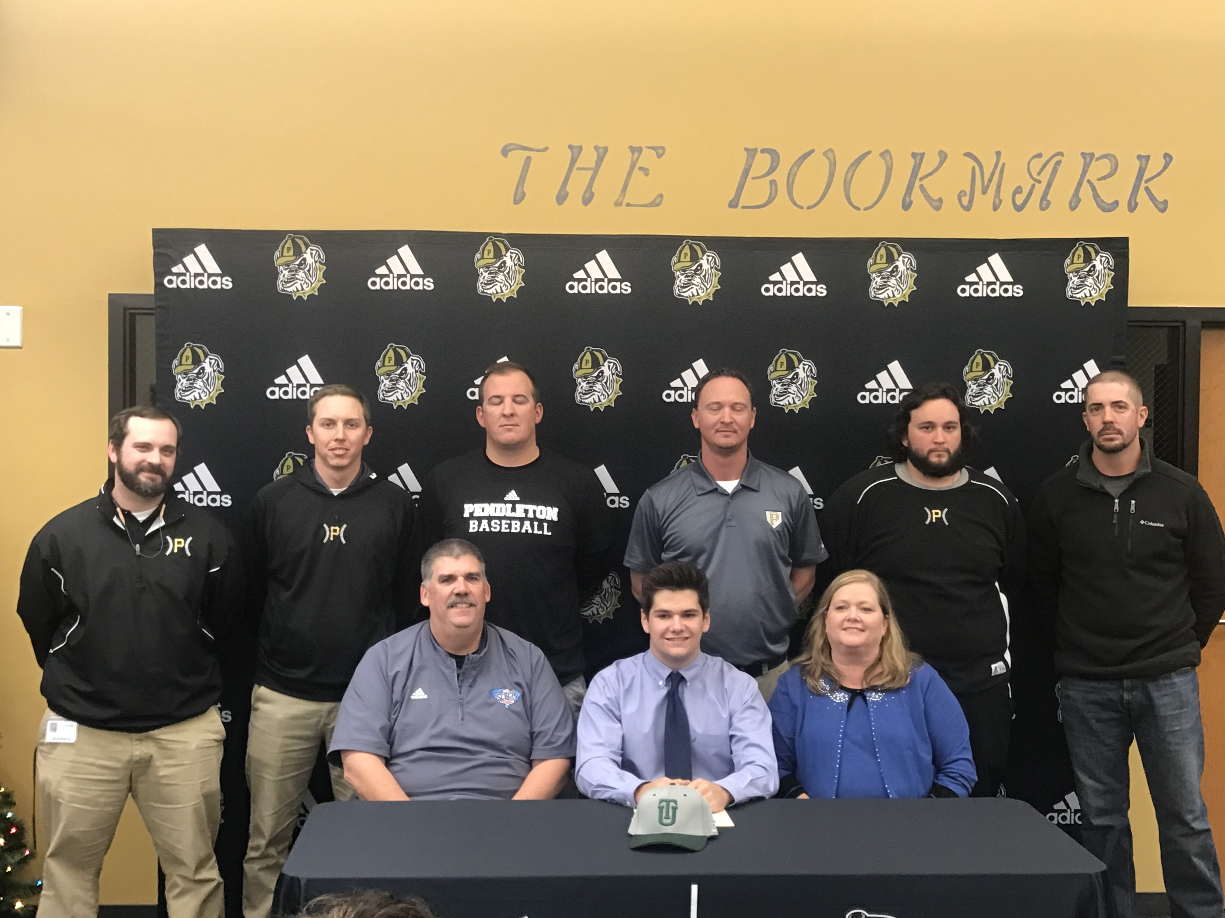 Skelly Signs Athletic Scholarship