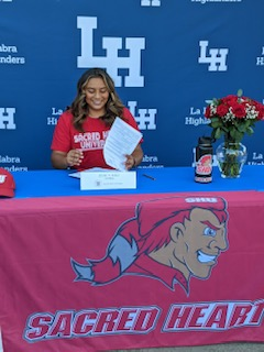 Jessica Ruiz signed her NLI to play softball at Sacred Heart University.