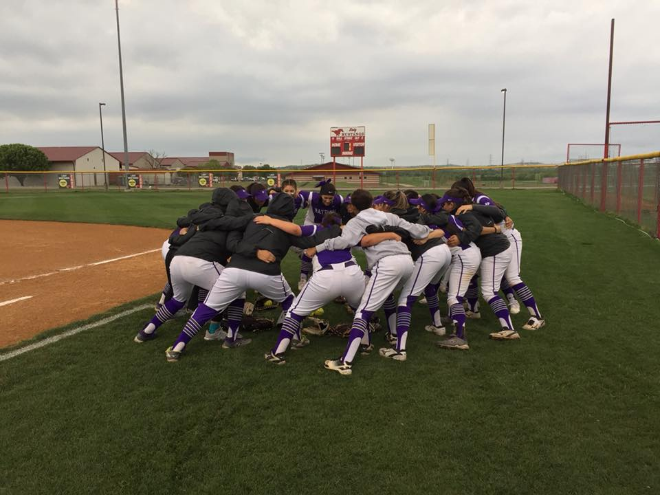 Lady Rattlers Grabs Lead In Sixth Inning To Defeat Anderson