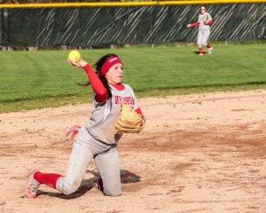 05-01-2017 Varsity Girls Softball defeat Kouts 13-3