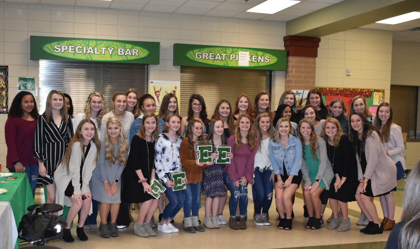 Cheer holds end of season banquet