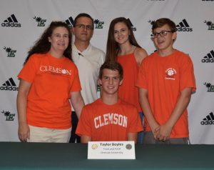 Photo Gallery: Boyles signs with Clemson