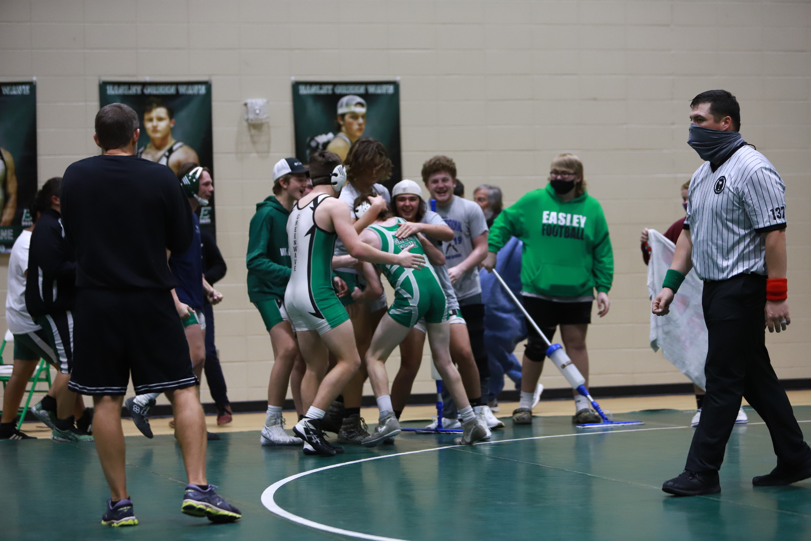 Photo Gallery – Wrestling vs Walhalla 12/10