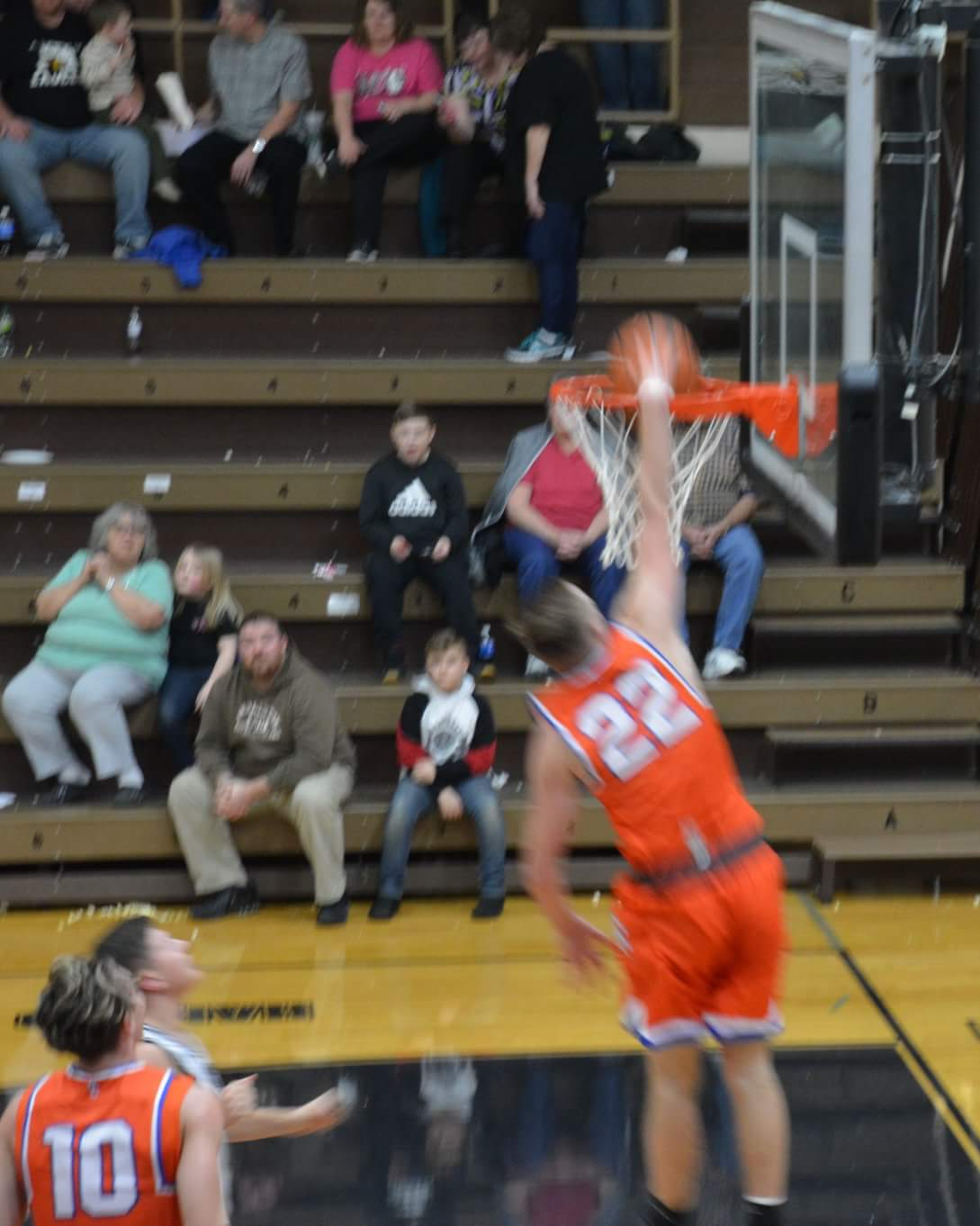 Boys Basketball: Dragons Slam Dunk Eagles in Rout to MSC Title.