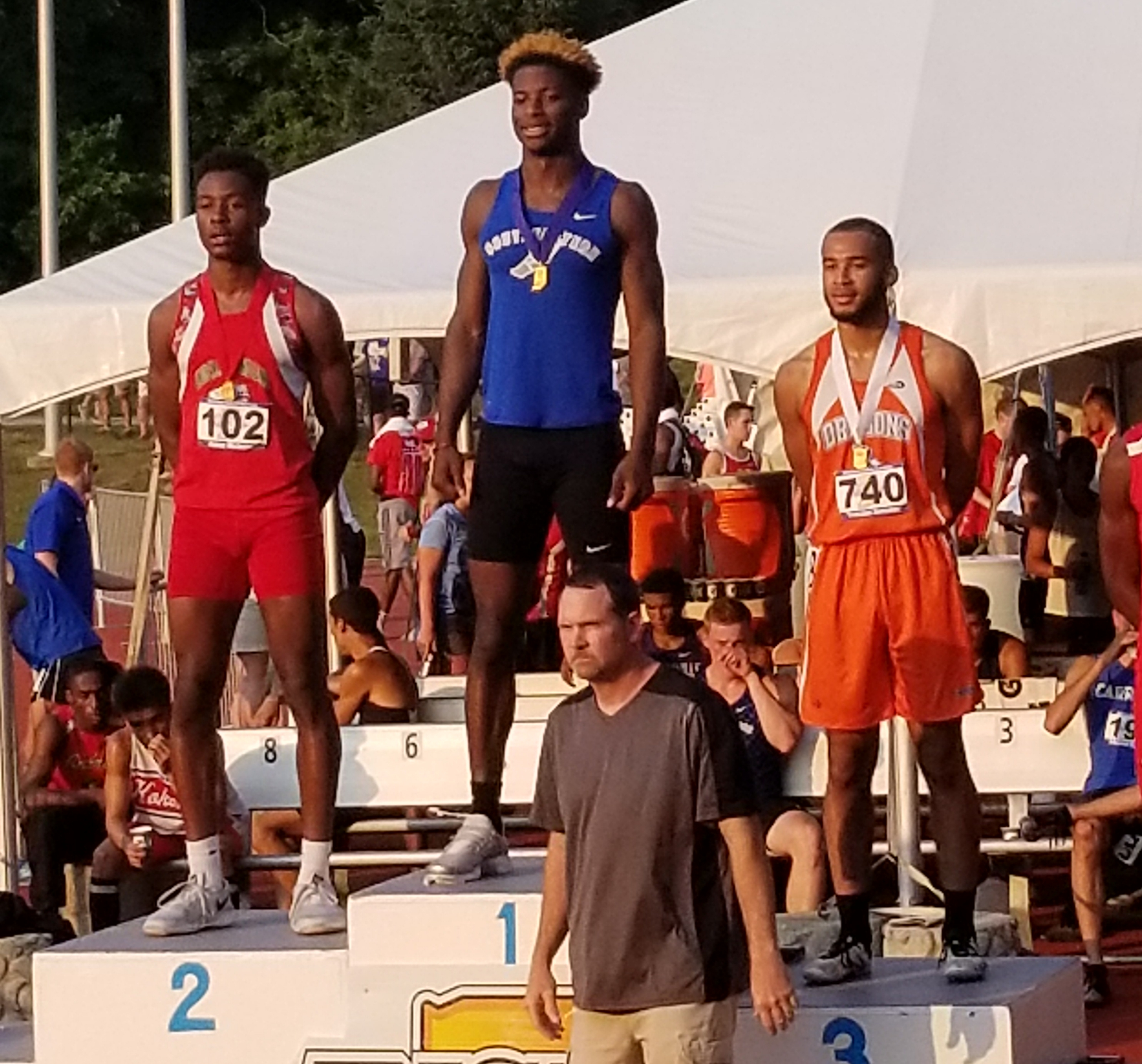 Track and Field: Gonzalez Finishes 3rd at State in 110 Hurdles