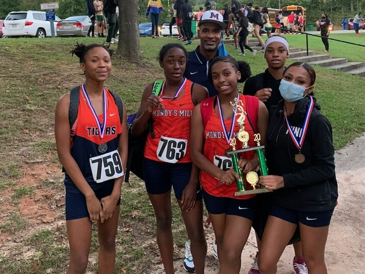 The Lady Tigers X-Country Team placed 2nd in the CCPS X-Country meet.