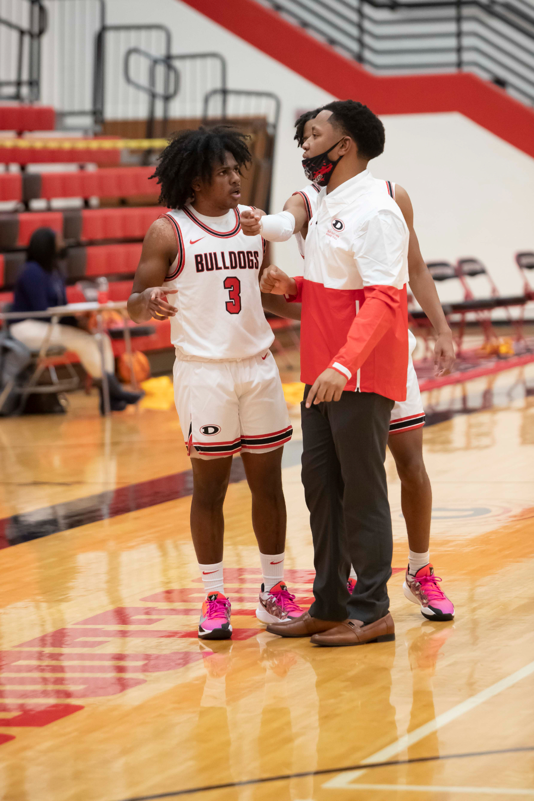 Bulldog Photo Gallery:  Boys Varsity Basketball vs Jones County 01 08 21