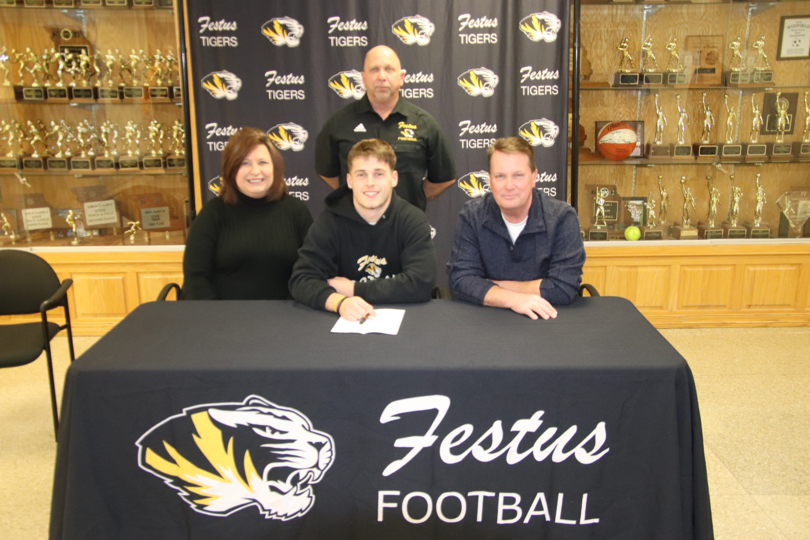 Jack Robinson Signs With Benedictine College