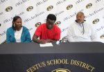 """Desmond """"Truck"""" Davis To Continue Football Career At The Next Level"""