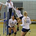 Volleyball sweeps Valley, moves to quarterfinals
