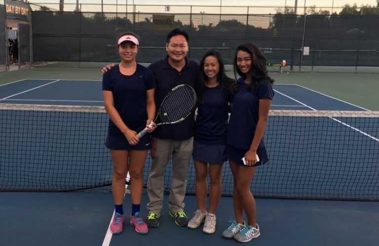Girls' Tennis advance to 2nd Round