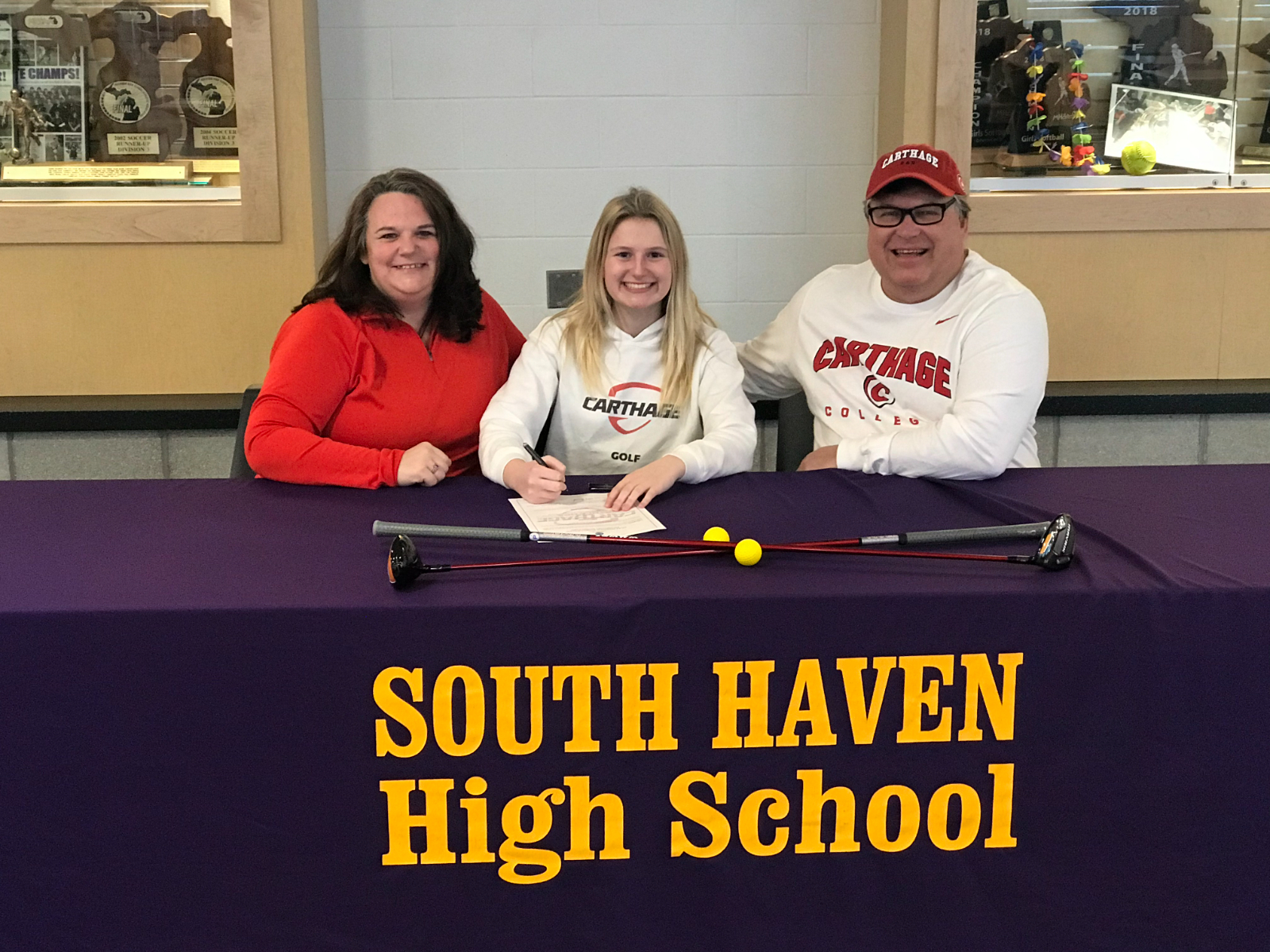 Golfer Abby Bocock Signs With Carthage College