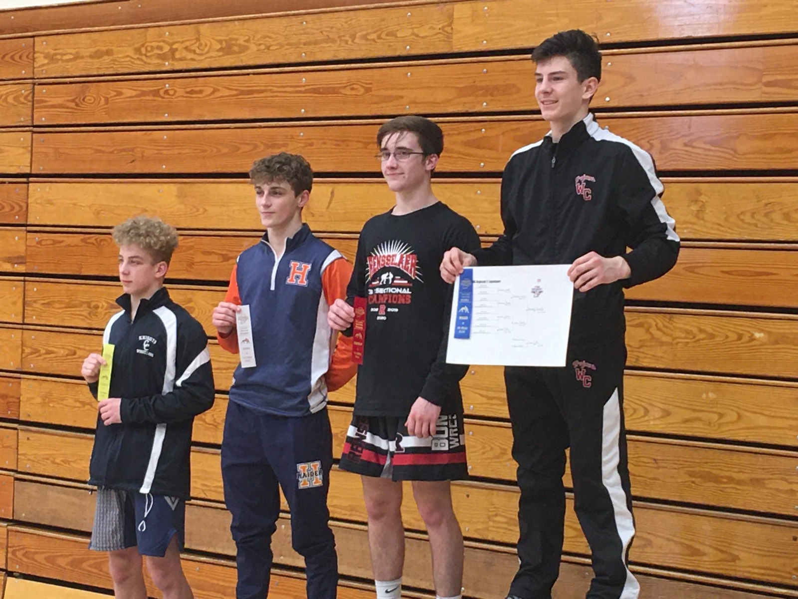 Nuest falls in first round, finishes season 29-5, MWC/ IHSAA Sectional-Regional Champion