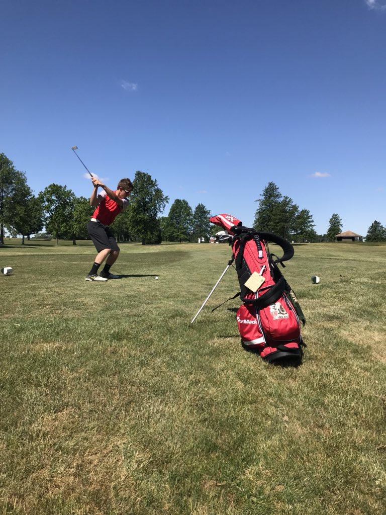 Jackson Qualifies for Regional; Raiders 5th at Sectional