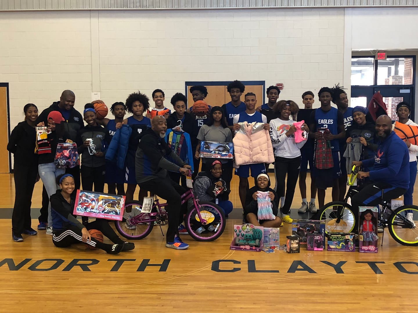North Clayton Gives back to the community