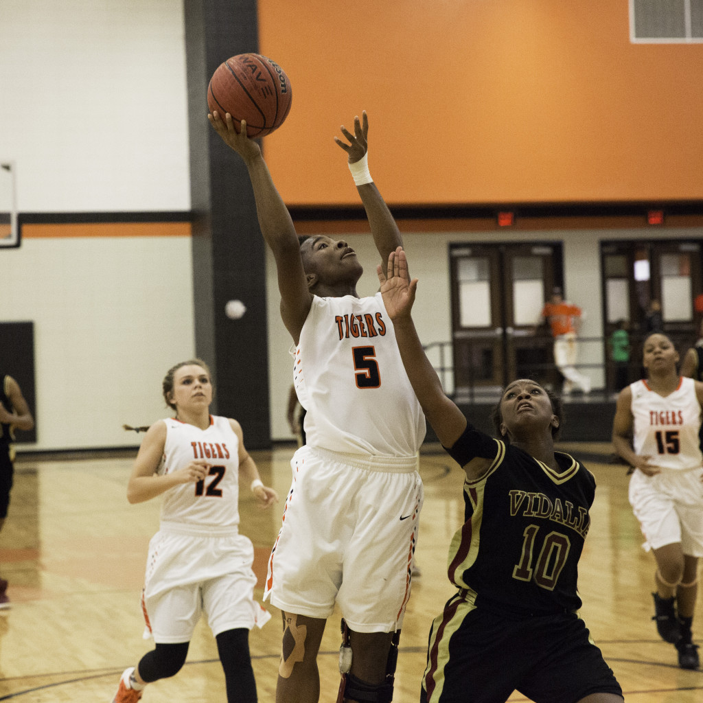 Girls Basketball Get Two Wins Over Weekend