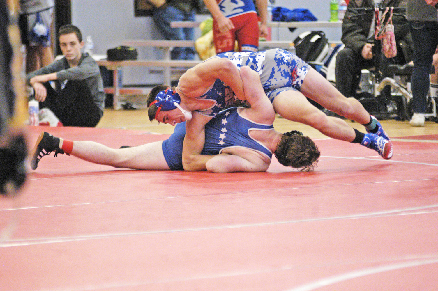 Wrestling team battles to a 2-4 record at ACAC Duals