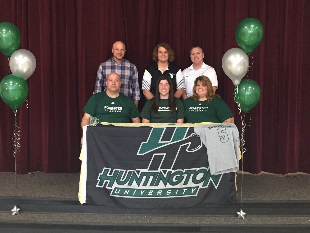 Lindsay signs to play at Huntington University