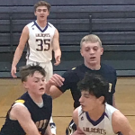 SOPHOMORE BOYS BASKETBALL ROLLS TO 6-2