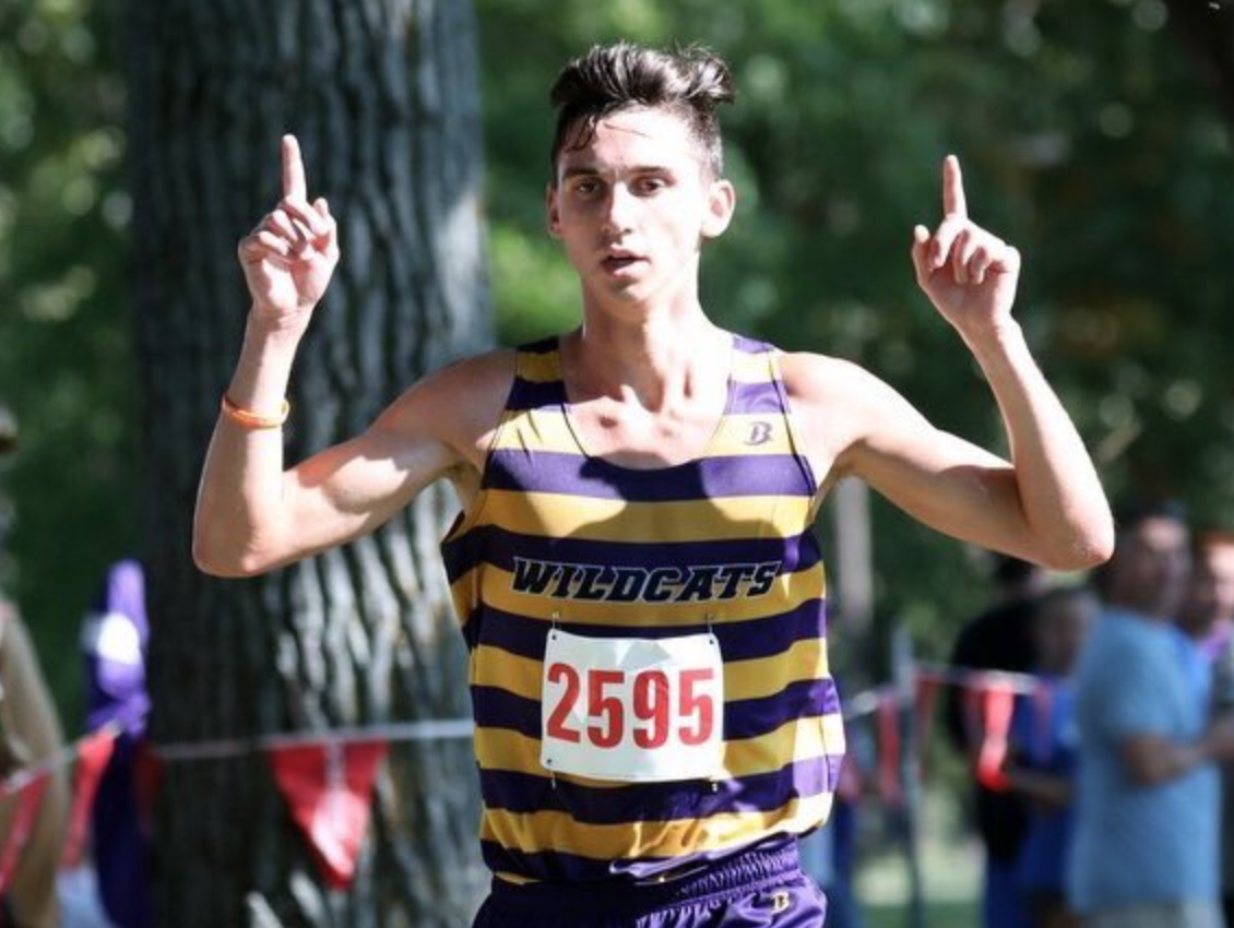 MCCLAIN AND WOODERSON LEAD BOYS XC TO INVITE VICTORY