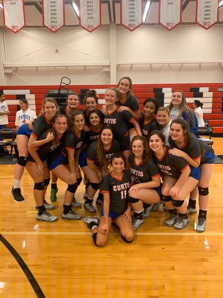 Volleyball team sweeps Sacred Heart; heads to quarter finals!