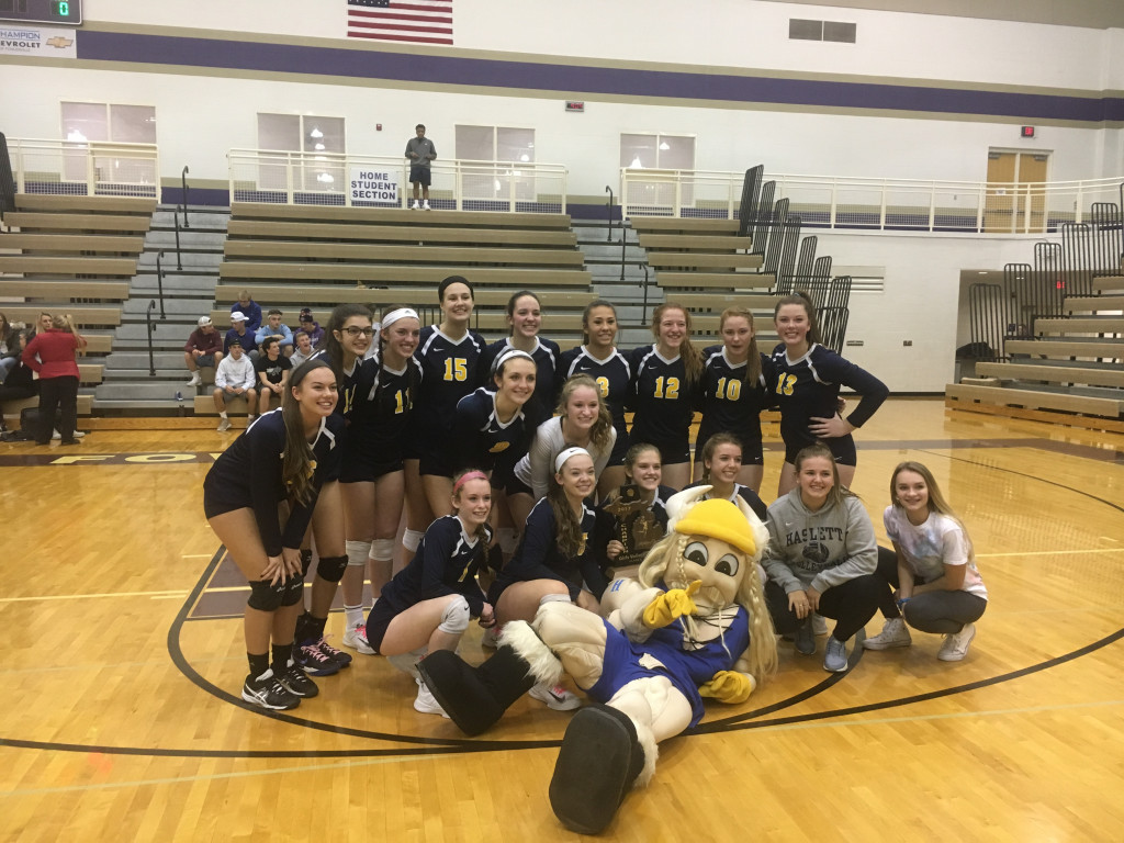 Volleyball wins District Championship!
