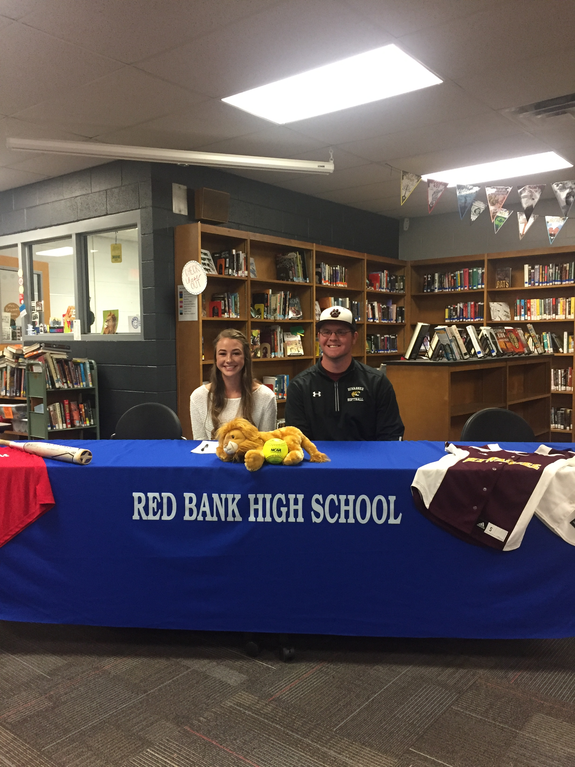 Destiny Painter Signs with Hiwassee College