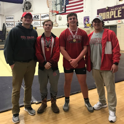 Wrestling Owls medal two at Central Invitational