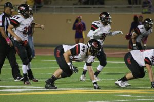 Varsity Football: Lobos vs. Bulldogs