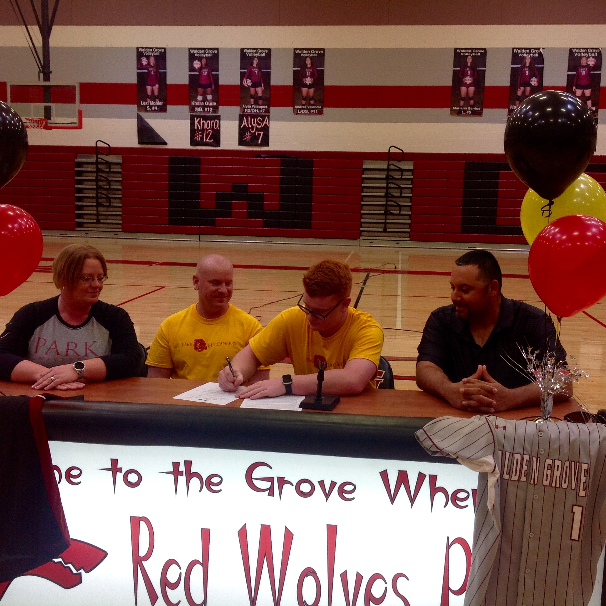 Barton signs with Park University!