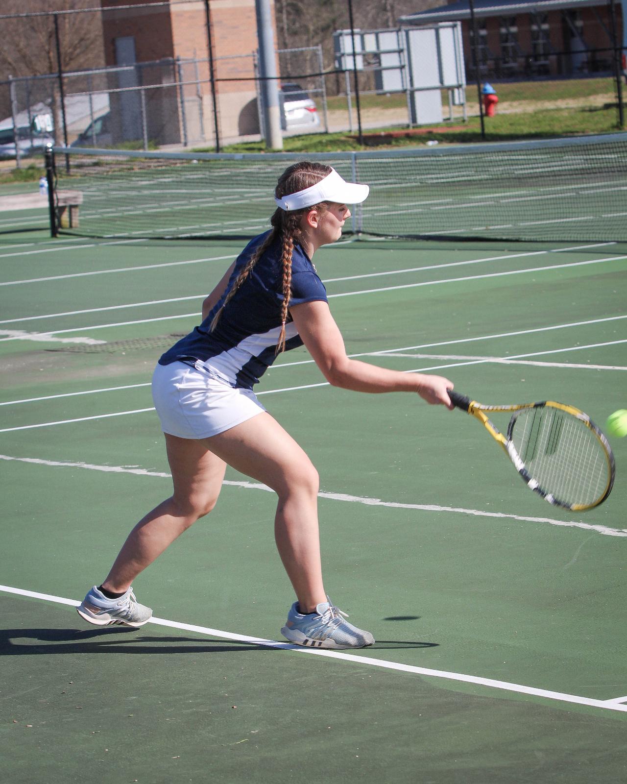 GIRLS TENNIS: Bethany Underwood wins at Heritage