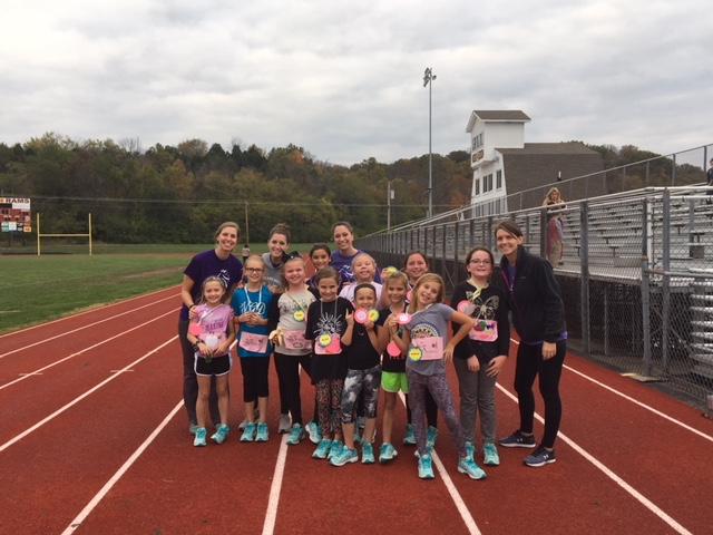 Elda Elementary's Girls on the Run prep for 5k Race