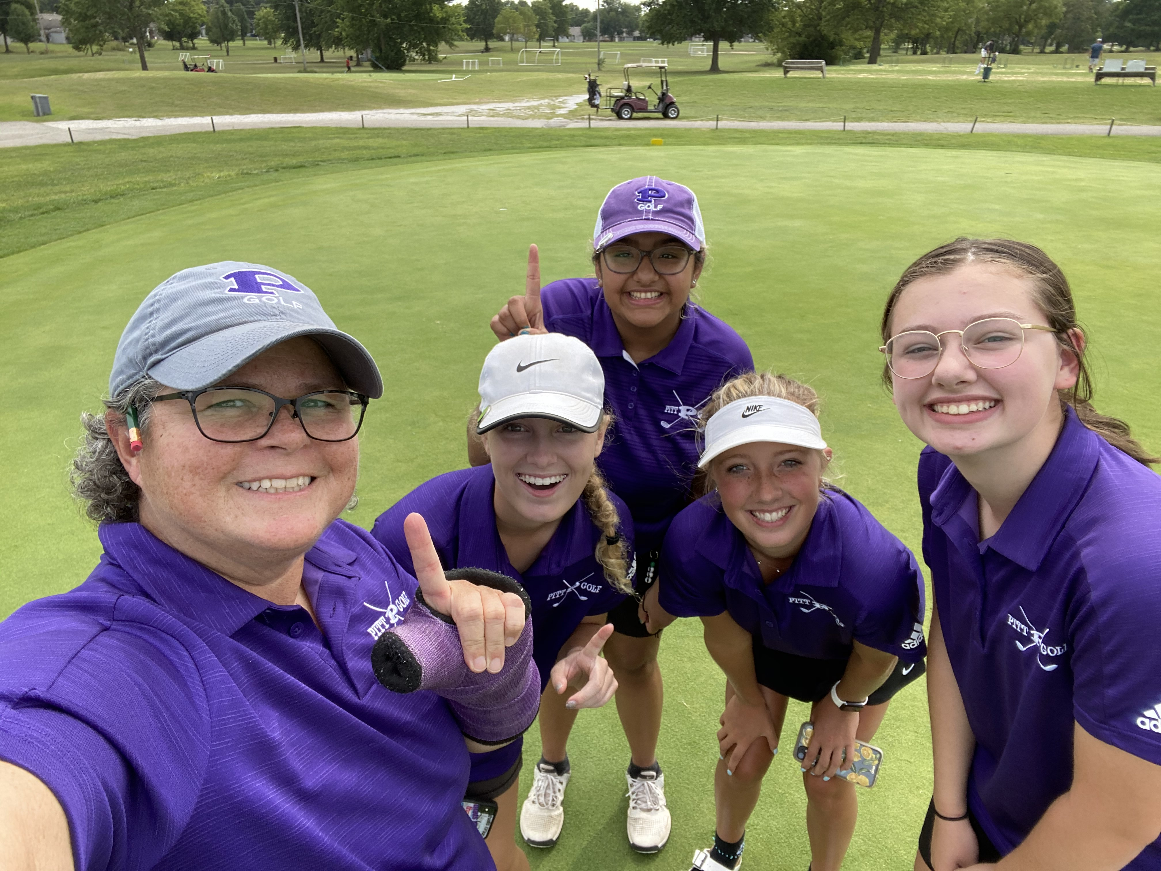 Girls Varsity Golf finishes 1st place at Carl Junction Invitational