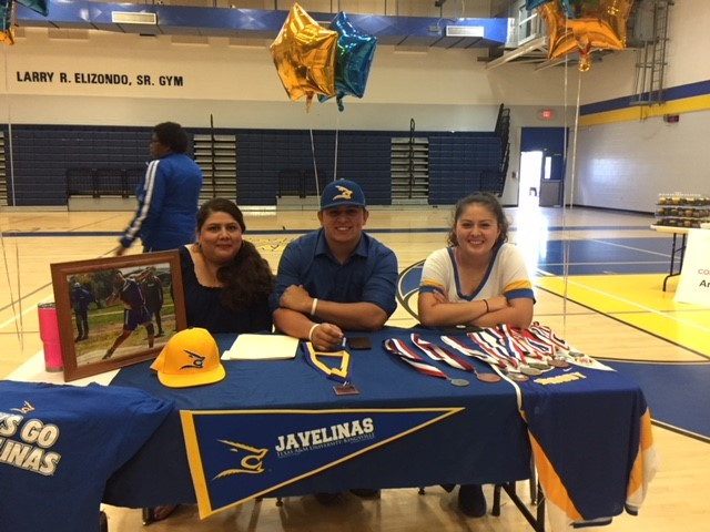 Rene Sandoval Signs Letter of Intent with Texas A&M Kingsville