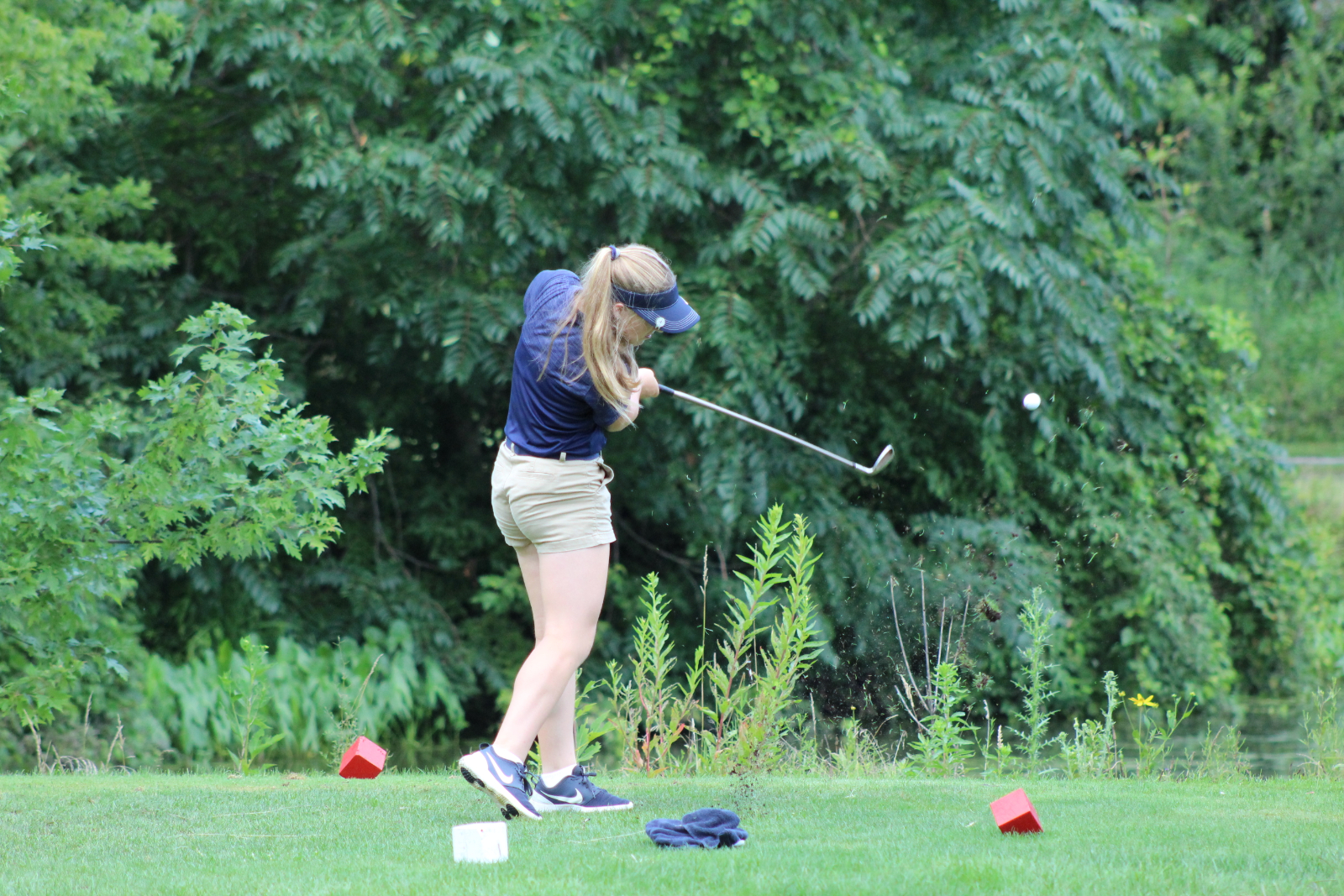 Lady Cougar Golf Team Wins both Matches in NIC opener