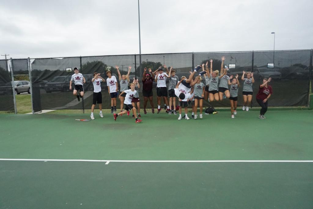 AHS Tennis Wins Area – Advances to Regionals