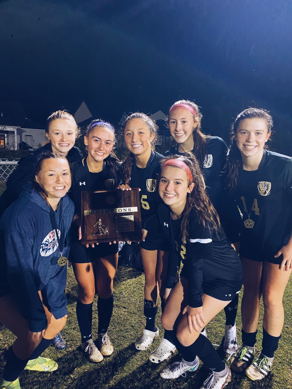 GIRLS SOCCER DISTRICT CHAMPS