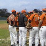 5 questions with ND baseball coach Steven De La Cerda