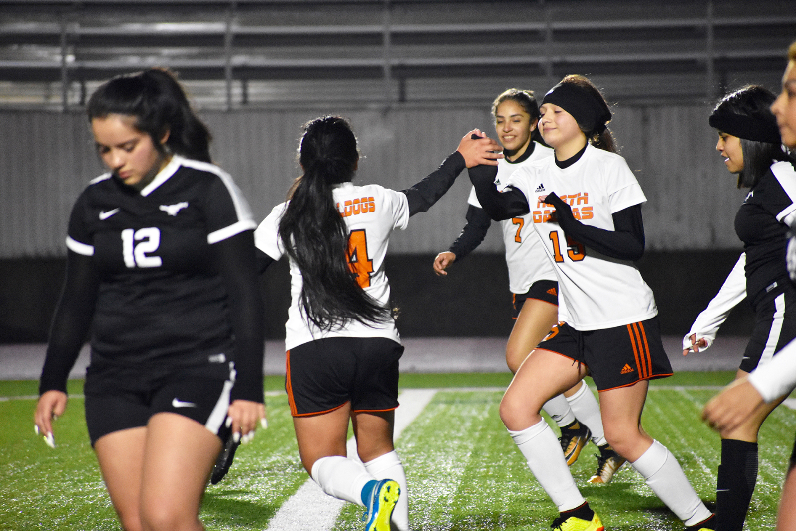Lady Bulldogs keep the heat on in 10-1 district win