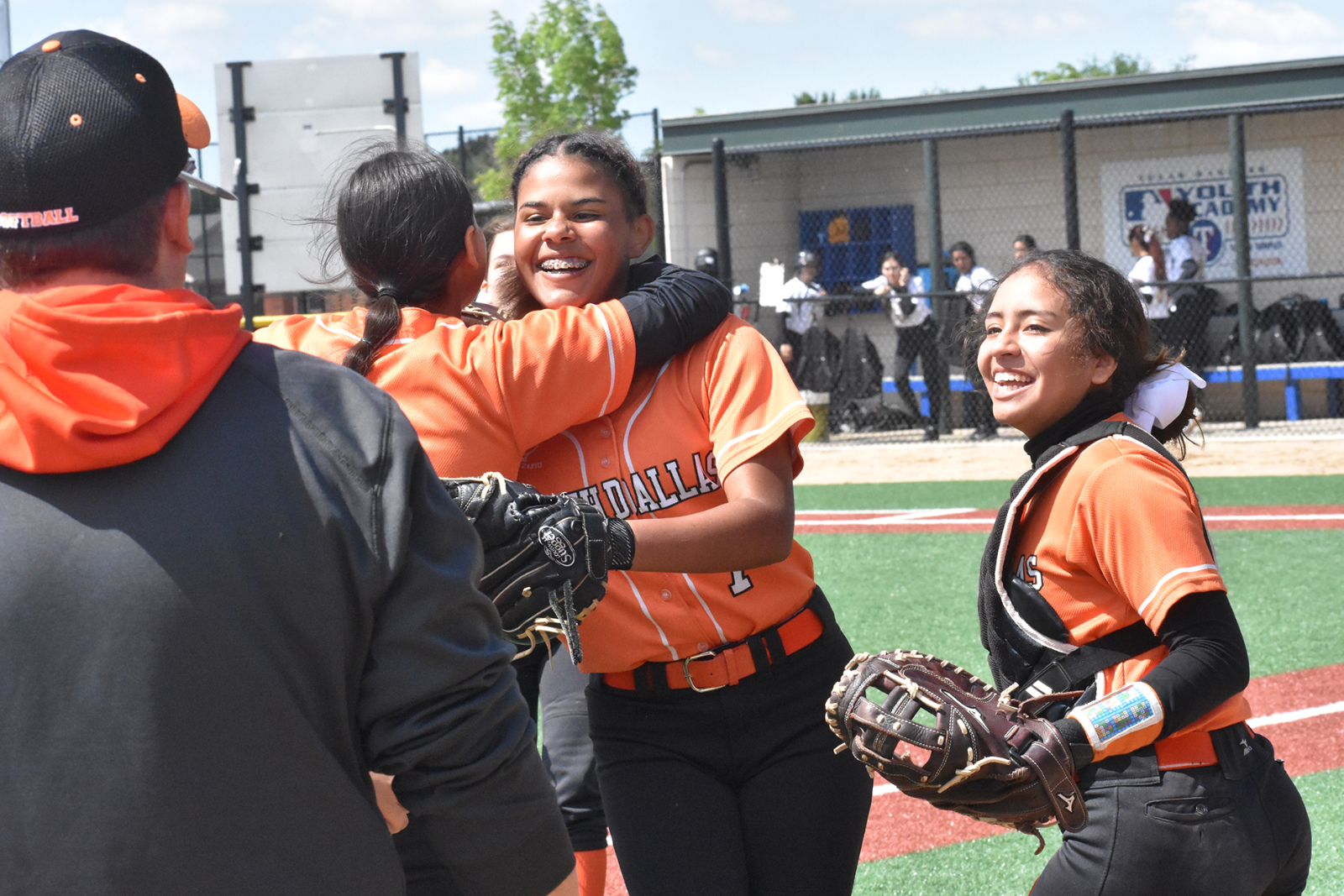 North Dallas to play Carter for second place Monday; Patrice Leavy sets pace in 25-11 win